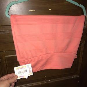 LulaRoe Small Cassie Skirt. NWT. Color is peach
